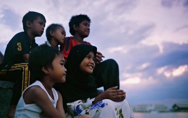 Malay Kids From Flickr User: Fadzly Mubin Original: https://flic.kr/p/5WAB3x